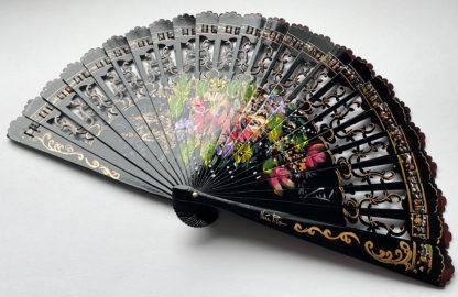 eventail-flores-noir-fleur-peint-main-artisanal