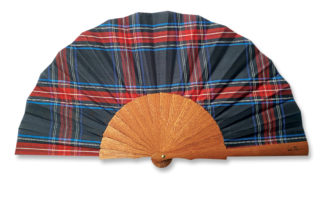 eventail-glasgo-bleu-ecosse-kilt-ecossais-soie-accessoire-de-mode