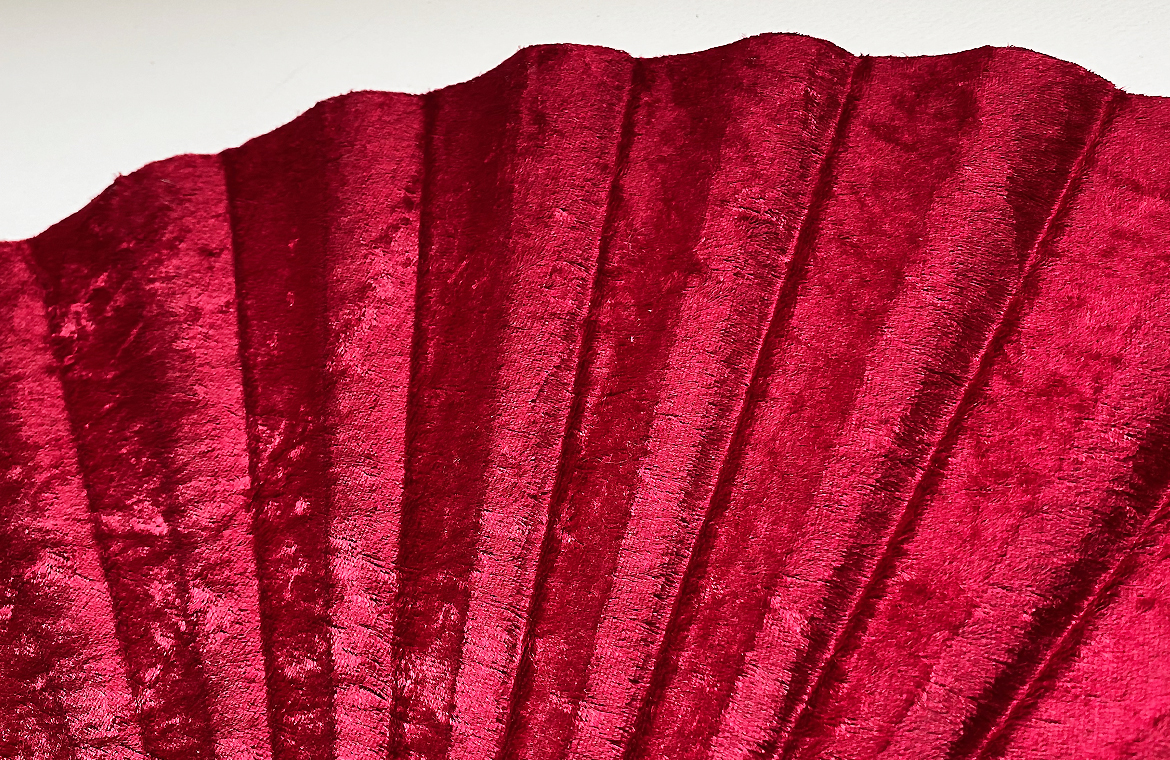 eventail-grand-scala-rouge-velours