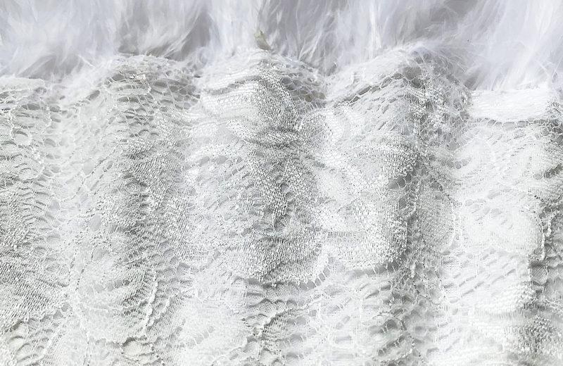 eventail-lido-blanc-dentelle-plume